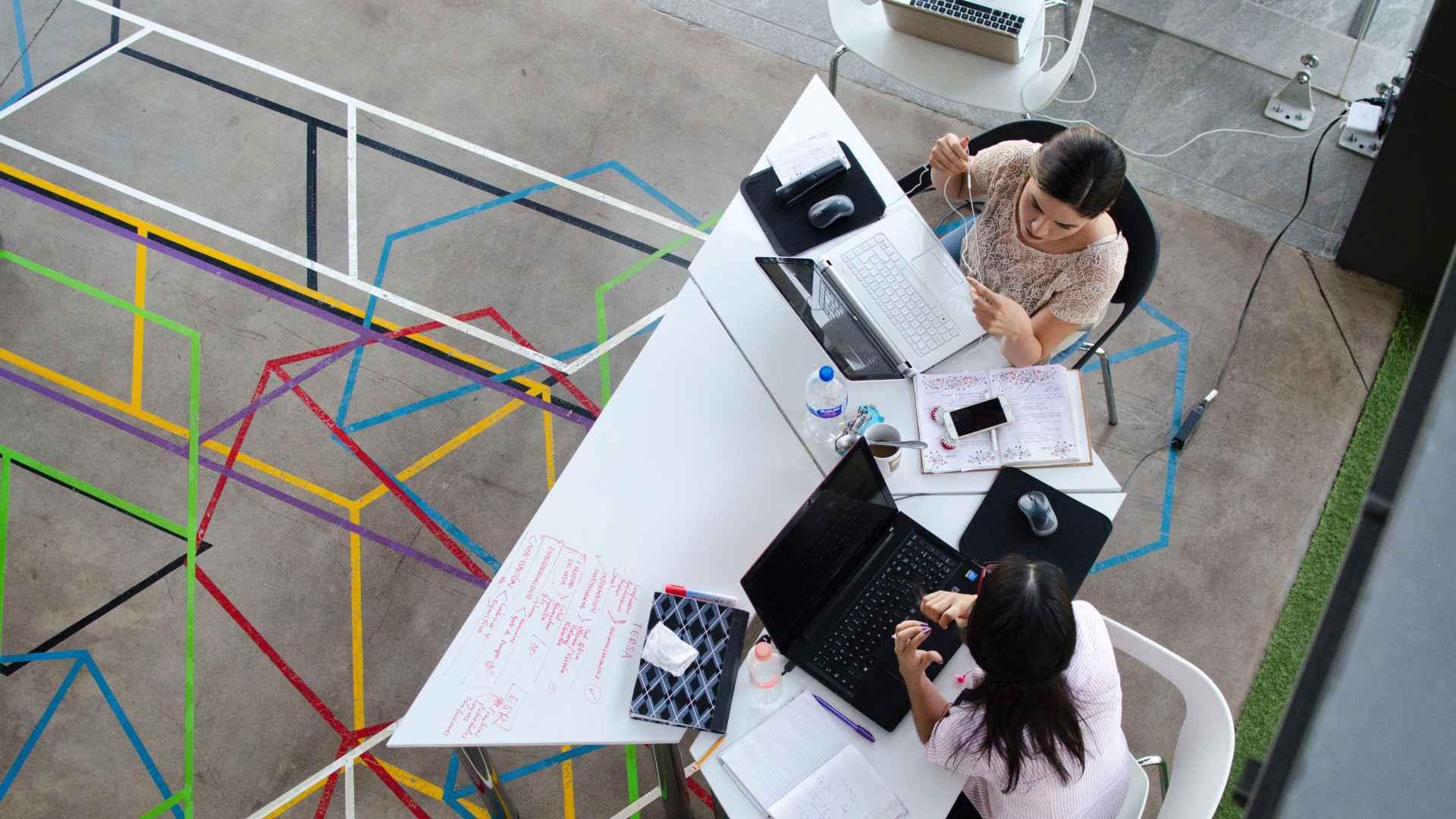 ¿Qué son los espacios flexibles en el trabajo?