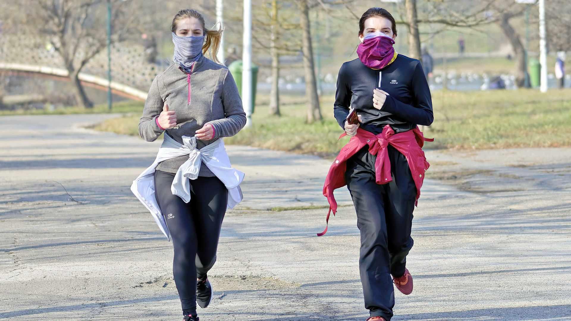 Sugerencias para hacer deporte al aire libre de forma segura